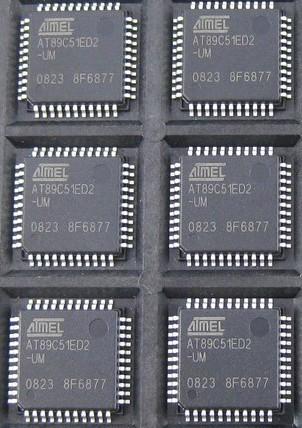 5v 程序存储器容量:64kb 芯片标号:89c51 表面安装器件:smd 计时器数